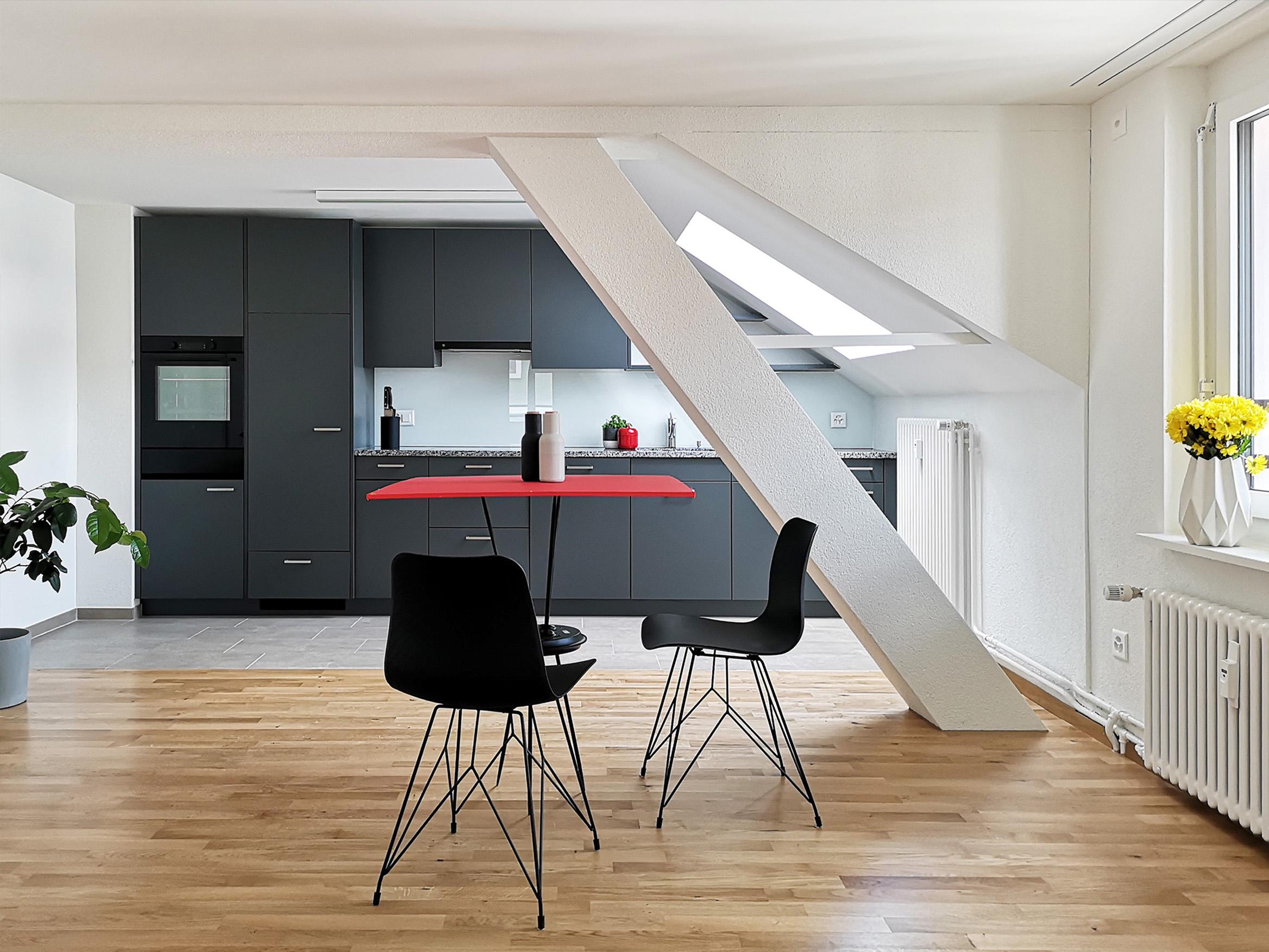 Küche/ Essen/ Wohnen in Dachgeschosswohnung