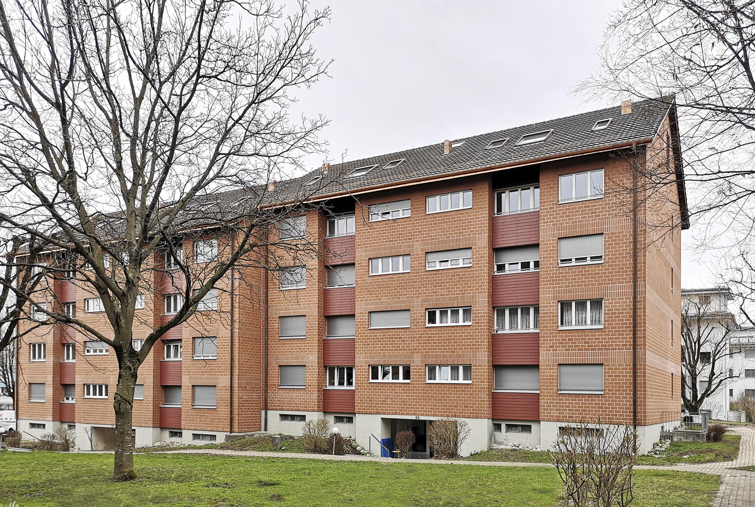 Auwertung Aussentraum und der Fassade mit Fenster/Storen/Anschlüsse